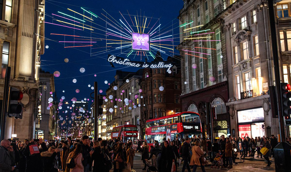 Christmas Shopping Online or High Street? Boss Cat Web Design London